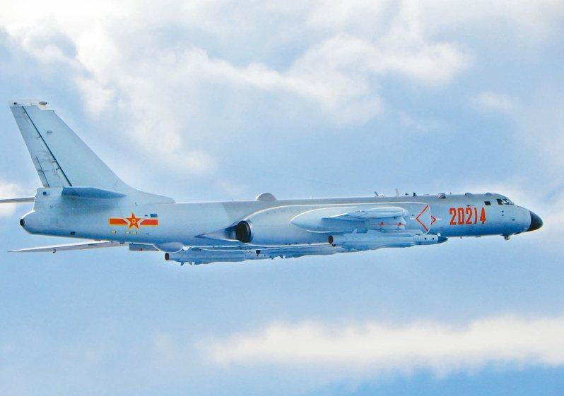 共軍頻頻擾台,圖為共軍轟六型轟炸機。圖/國防部提供