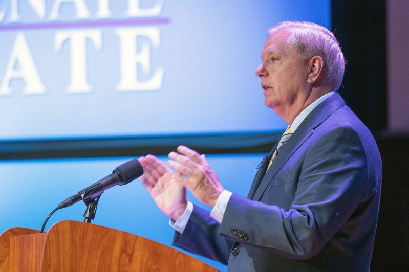 南卡州聯邦參議員葛理漢,拒絕在與民主黨籍非洲挑戰者哈里森進行第二場辯論前接受新冠病毒測試。 美聯社