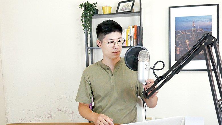 Kevin建議錄製要選擇好的環境與設備,也要注意自己的坐姿、口條、呼吸等細節。Kevin提供