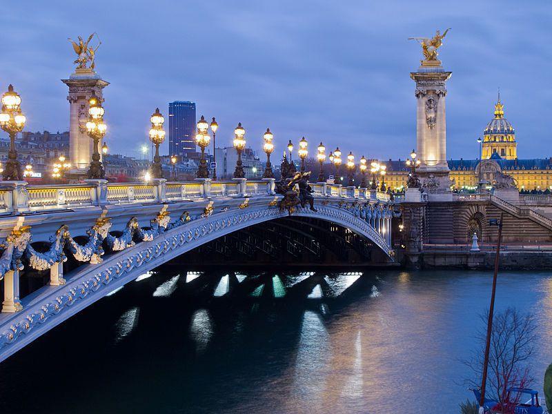 選擇日出,白天,黃昏或黑夜來尋找最浪漫的亞歷山大三世橋 到巴黎不可能不拍一張!  / 來源: wikimedia