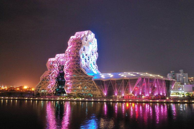 高雄流行音樂中心十月試燈,帶來港都驚艷。圖/高雄市新工處提供