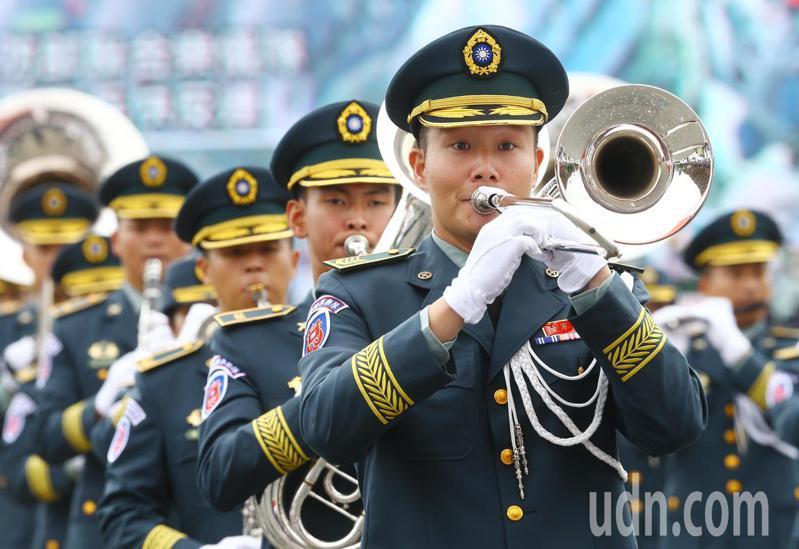 國軍聯合樂隊由國防部示範樂隊及陸海空軍樂隊編成。記者杜建重/攝影