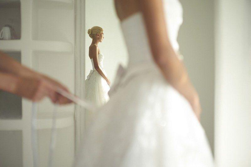 明明是表姐結婚,伴娘卻想挑新娘禮服來穿,氣炸表姐本人。 示意圖/Ingimage