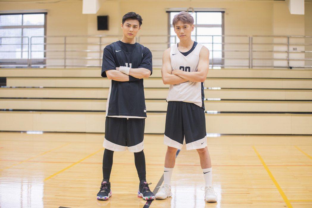 王子邱勝翊(左)與弟弟邱宇辰以愛為出發點,舉辦「以愛之名-明星籃球公益賽」。圖/...