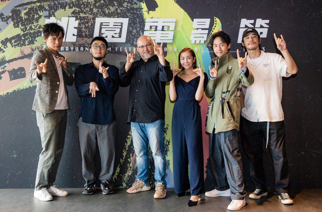 喜劇「陽光電台不打烊」在桃園電影節首映,黃鐙輝(左起)、導演洪子鵬、劉亮佐、林雨