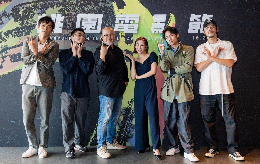 喜劇「陽光電台不打烊」在桃園電影節首映,黃鐙輝(左起)、導演洪子鵬、劉亮佐、林雨...