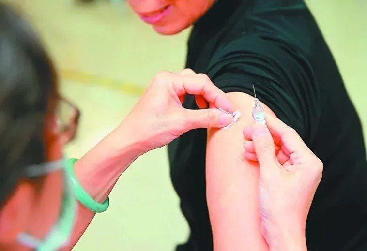 施打流感疫苗示意圖。圖/聯合報系資料照片
