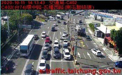 今天是國慶連假最後一天,台中市與國道一號、三號、四號的各匝道車流狀況尚算順暢,沒有嚴重塞車情形。圖/台中市交通大隊提供
