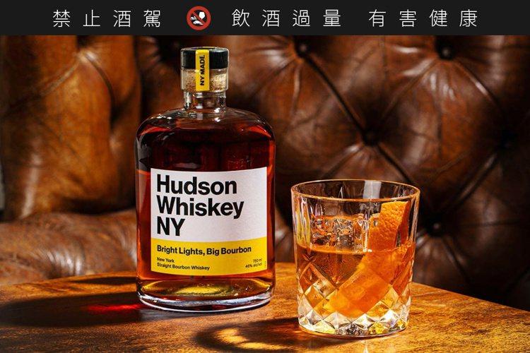 Hudson Whiskey的旗艦酒款「Bright Lights Big Bo...