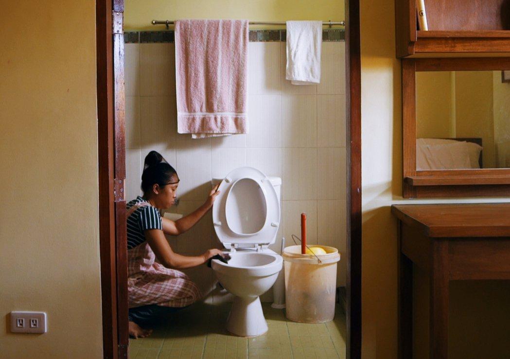 《海的另一端》為法籍韓裔導演尹聖雅(YOON Sung-A)的作品,深入菲律賓女...