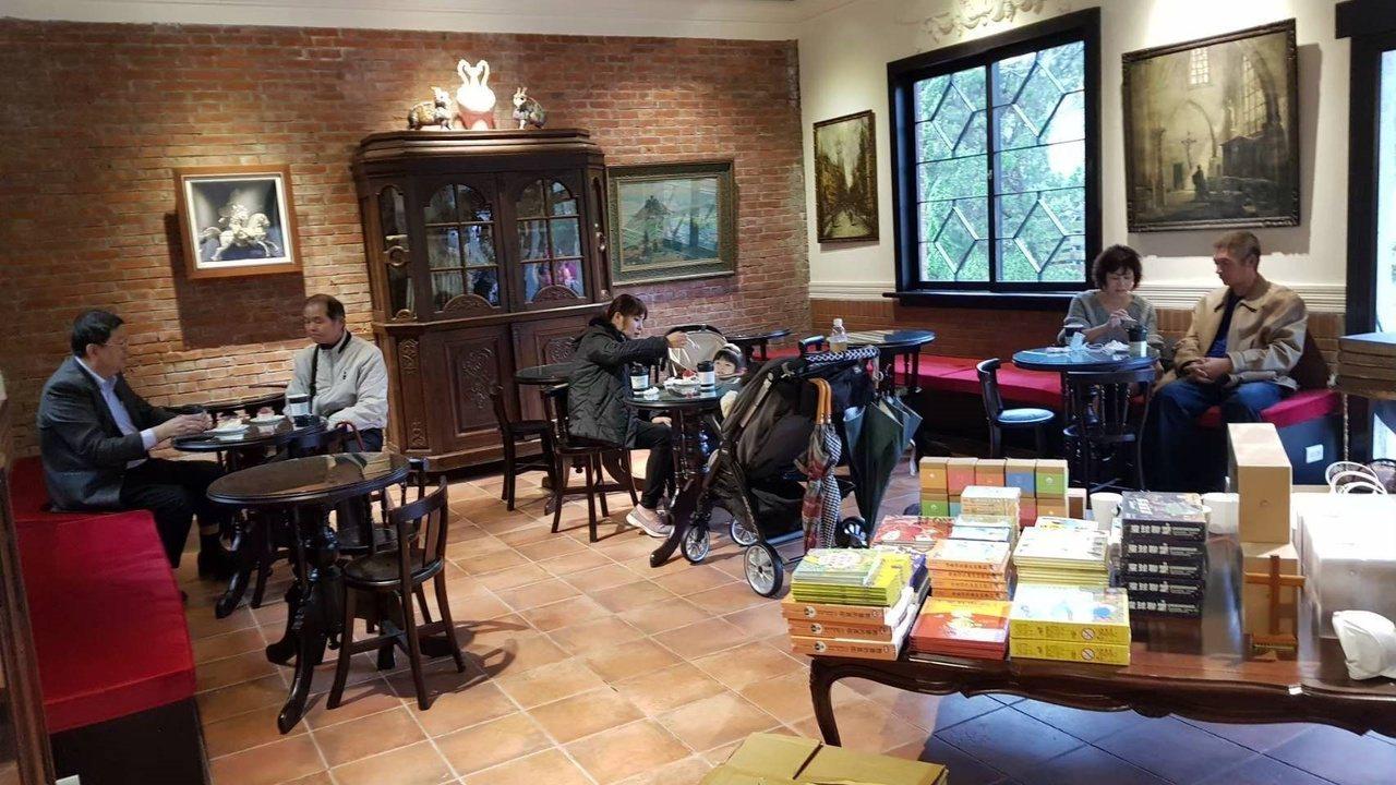 後慈湖遊客中心南北廂房有茶點美食和文創商品。 圖/桃園市政府風景管理處提供