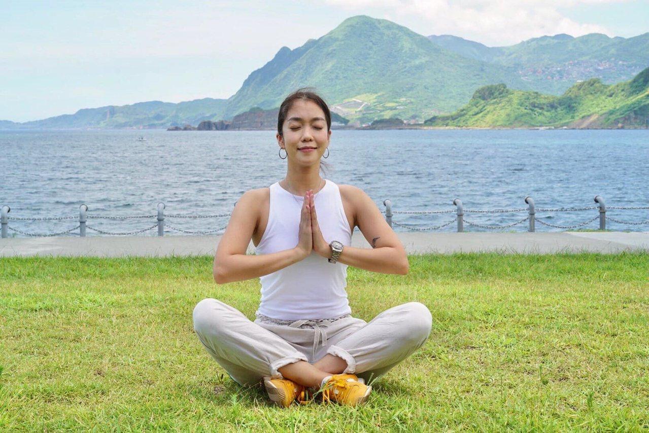 大霈喜歡做瑜伽。 圖/摘自臉書