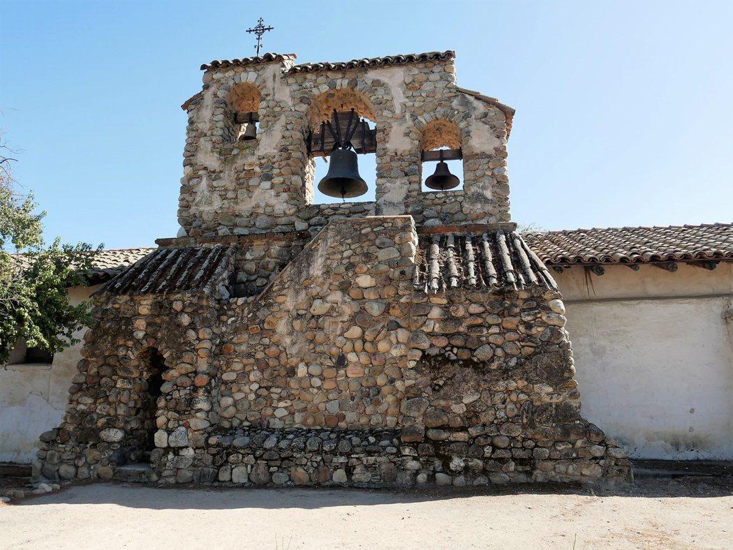 San Miguel 的鐘樓,中間主要的鐘於1888年製造,重達2000磅。