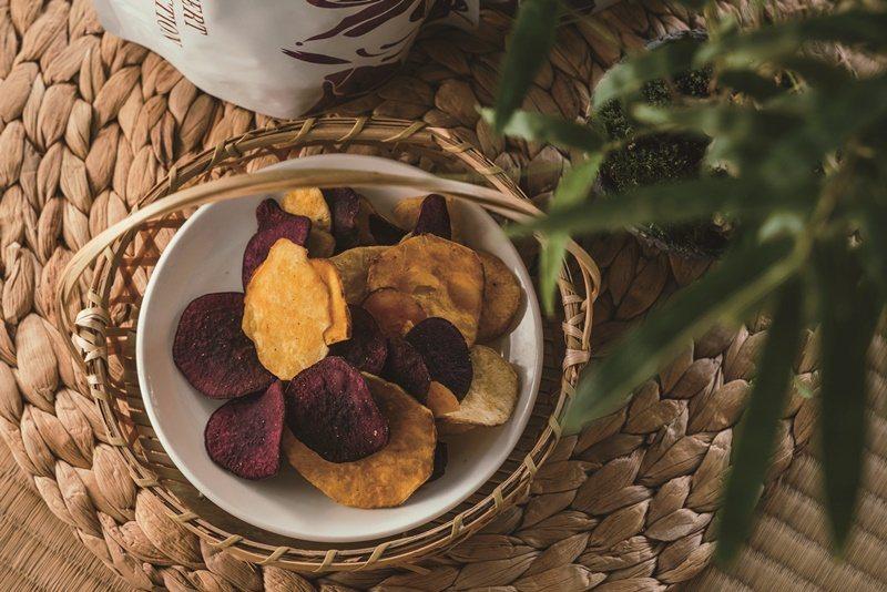 吃得到不同地瓜品種的地瓜脆片。 攝影/Ray