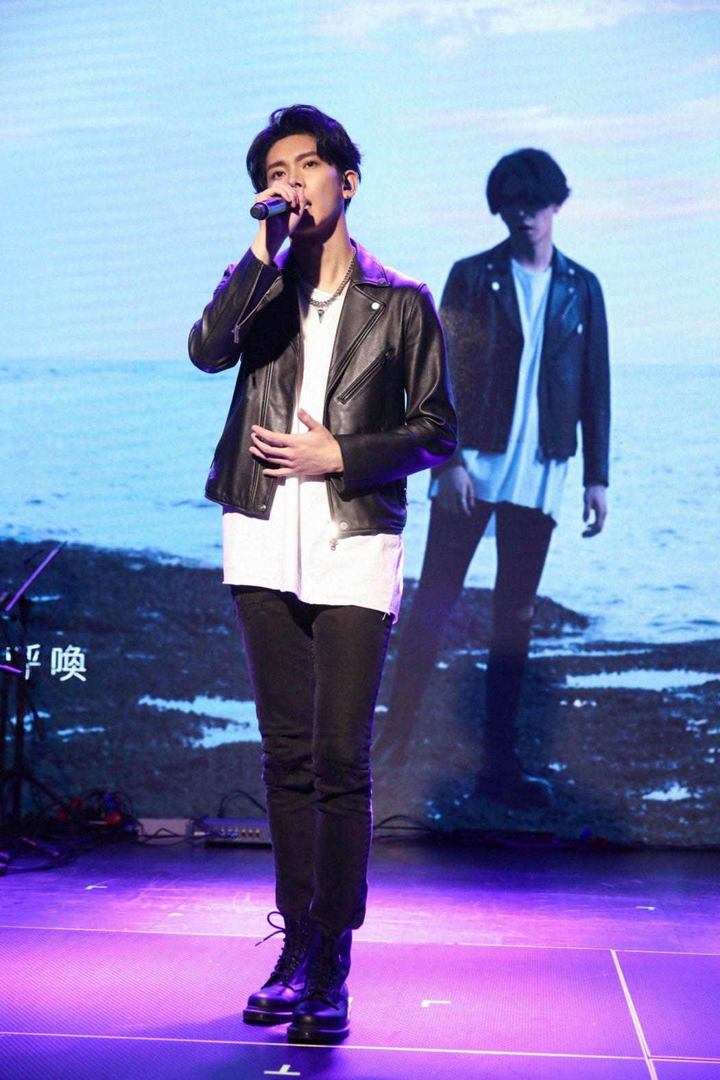 混血兒楊宇騰帶來多首日文歌曲。圖/泓康天下娛樂文創提供