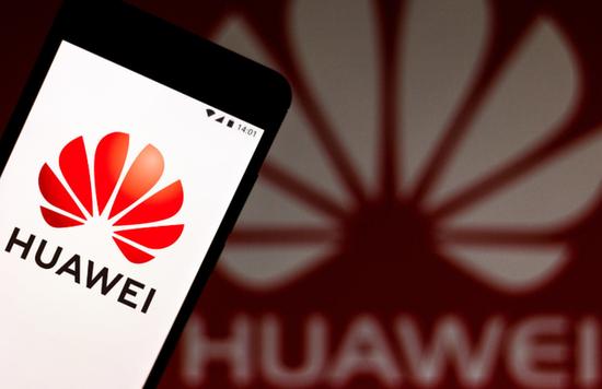 華為一名歐洲高管表示,美國對華為半導體供應制裁讓公司變得更困難,但華為仍能繼續為歐洲的5G網路客戶提供服務。(圖/取自新浪網)