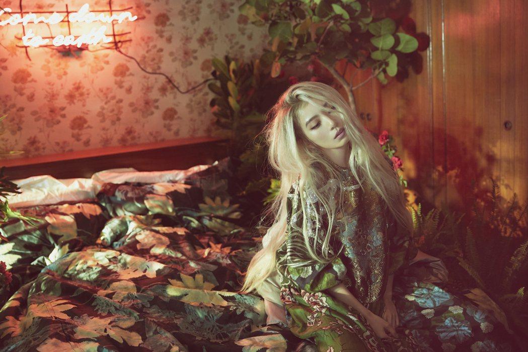 田馥甄的白髮模樣獲得好評,被粉絲誇是最美的白髮魔女。圖/何樂音樂提供