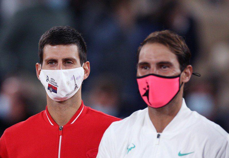 約克維奇(左)法網決賽不敵納達爾。