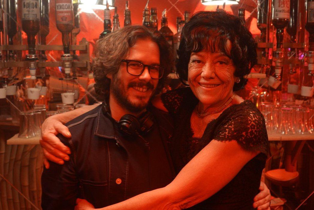 「玩命再劫」導演艾德格萊特(左)貼出與瑪格麗特諾蘭(右),緬懷這位一代豔星。圖/...