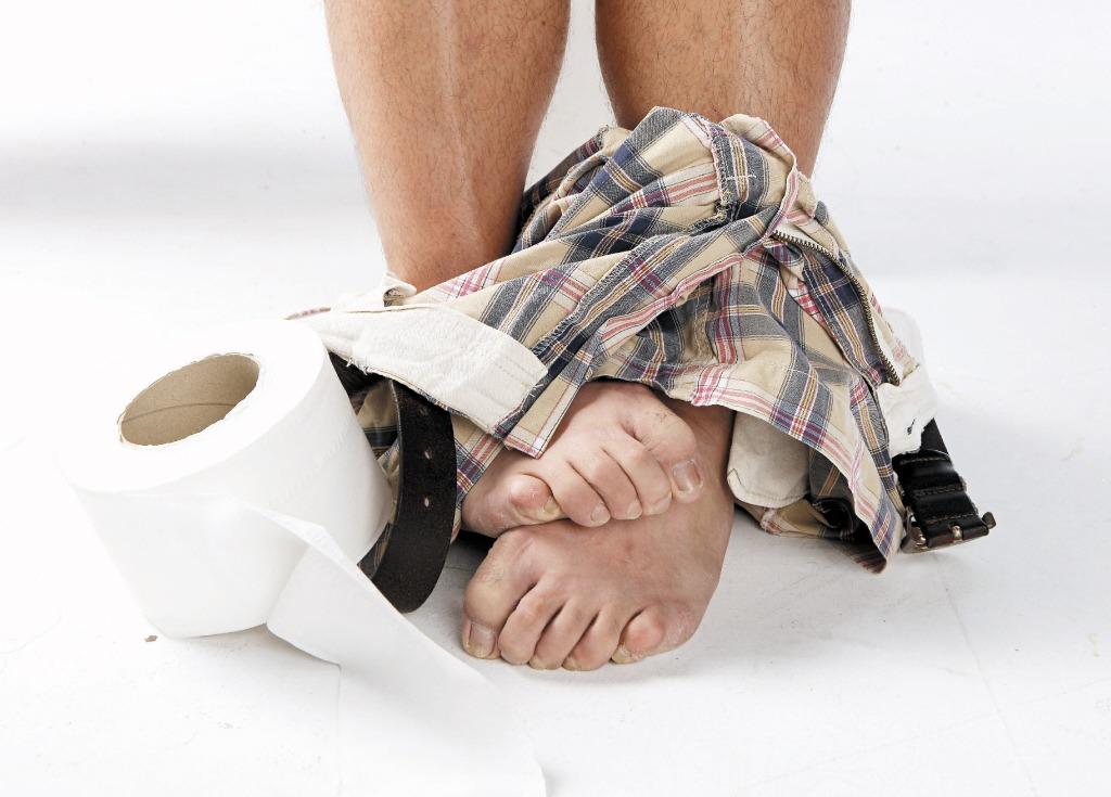 痔瘡好發於五十歲以上熟男熟女,雖文獻指出盛行率約為五至六成,約每兩人就有一人為痔...