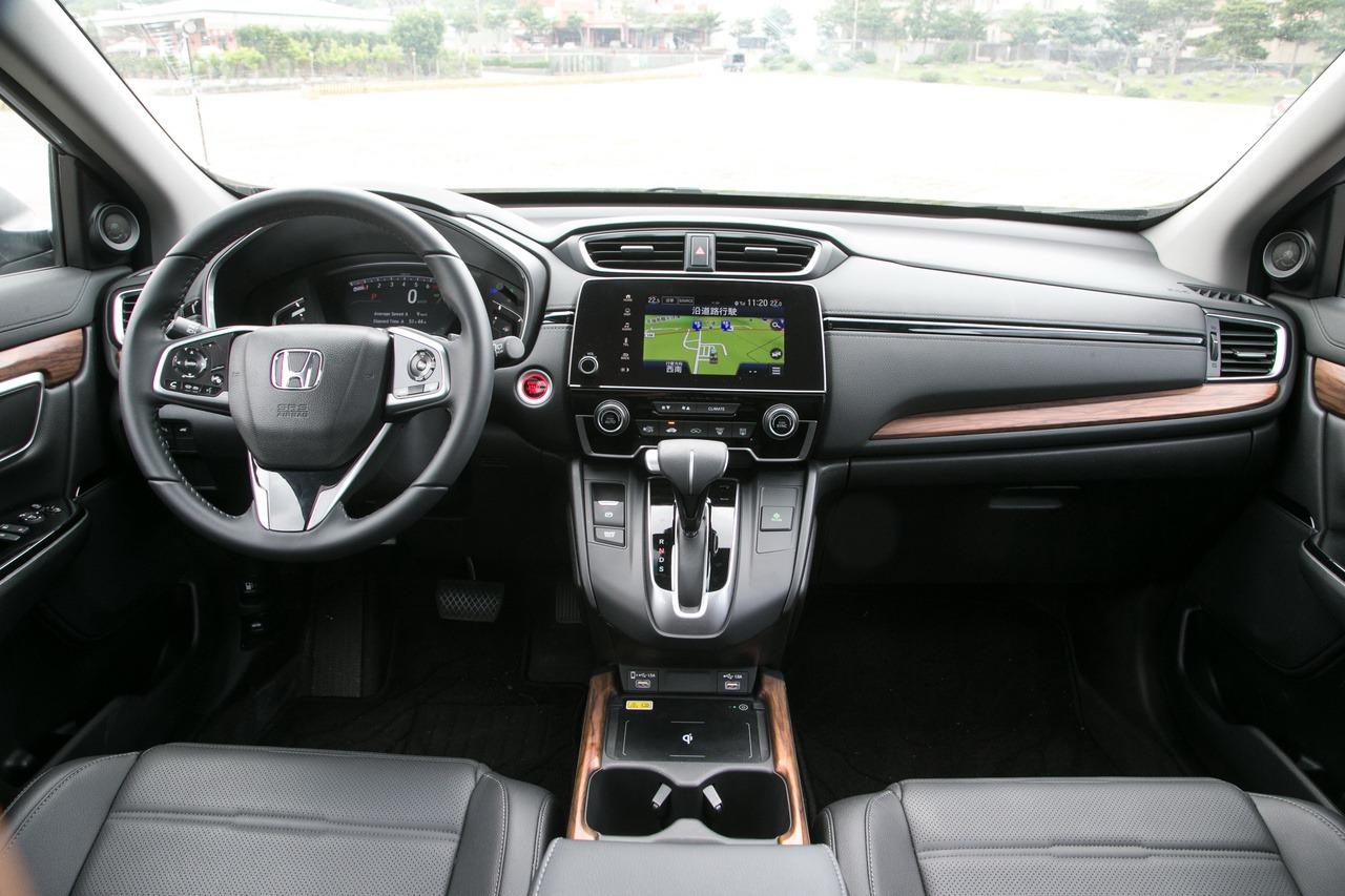 Honda CR-V內裝兼具實用及科技感。 圖/陳立凱 攝影