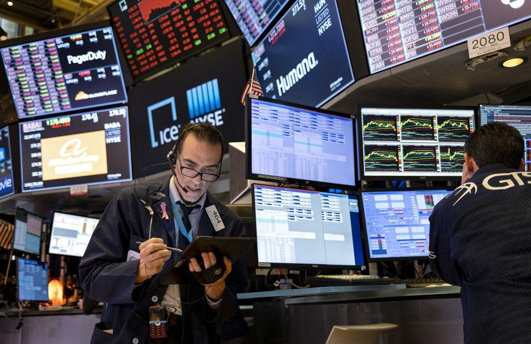 USCC的報告指出,中共竊取美國尖端科技與智慧產權的六大招數,包括直接投資、創投、合資、徵才、爭取審批許可、網路間諜等。 圖/美聯社