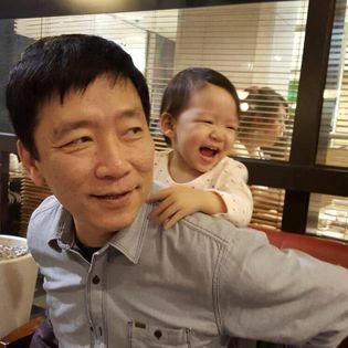 梁永斌與女兒,2015年。 圖片來源/梁永斌臉書