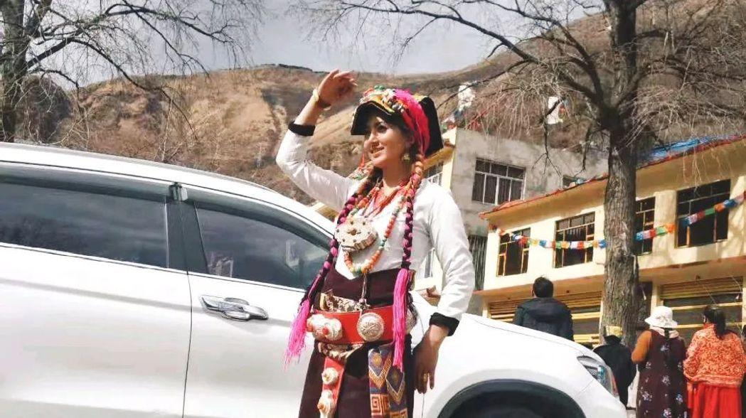 9月14日,藏族女子拉姆遭前夫入侵住處、潑汽油焚燒,經搶救後仍不幸於9月30日過世。 圖/微博