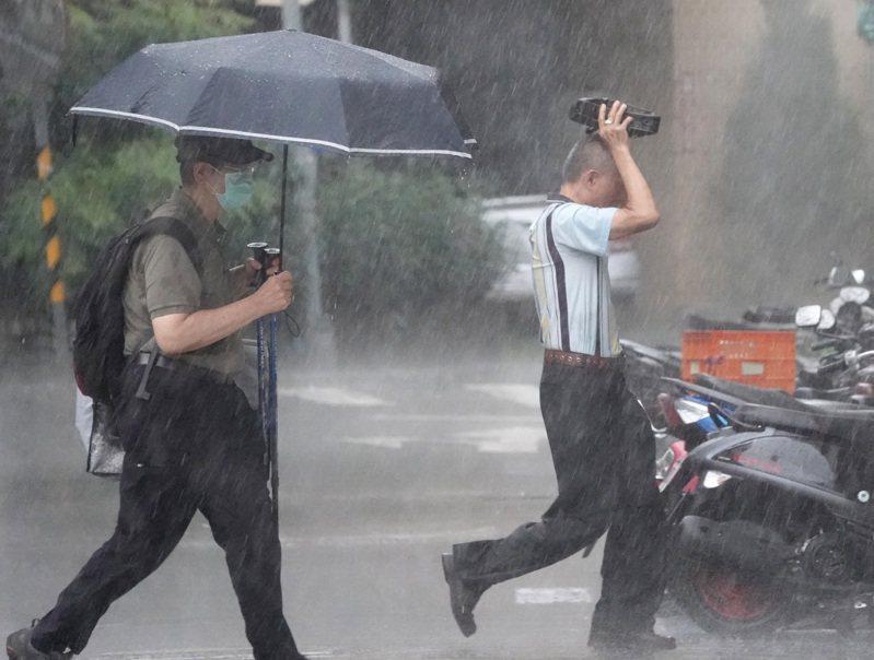 中央氣象局針對宜蘭縣發布大豪雨特報。報系資料照