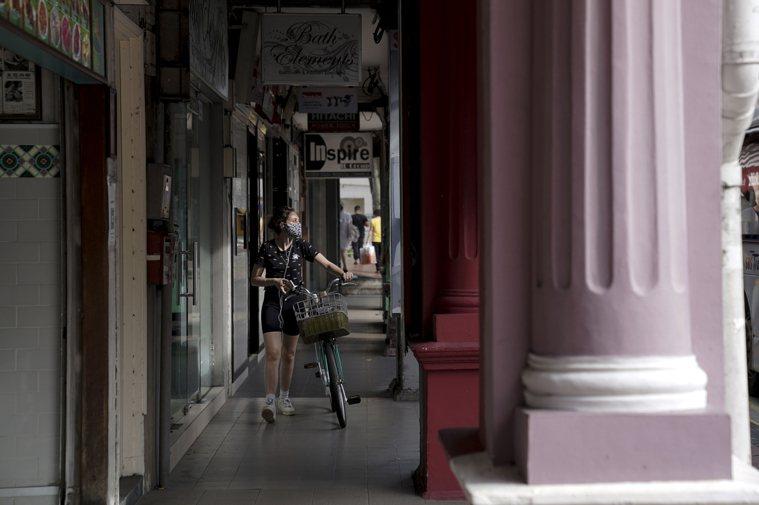新加坡13日新增4人確診感染新冠肺炎,全是境外移入,沒有本土感染病例。星媒報導,...