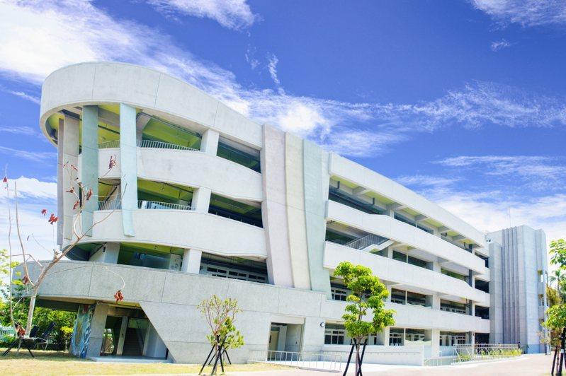梧棲國小校舍重建。圖/台中市教育局提供