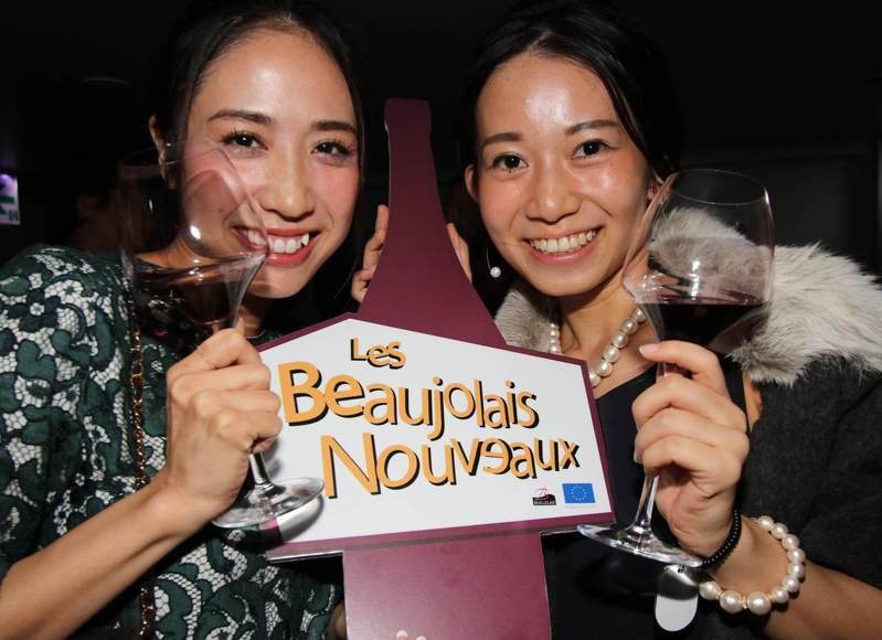 近日發表的論文指出,一周喝酒不到一次的日本女性,得乳癌機率是滴酒不沾女性的2.07倍。示意圖,非當事人。法新社