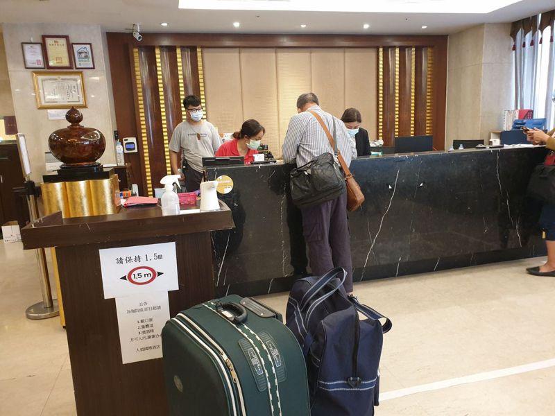 高雄人道國際酒店日前被爆違規收住居檢者。本報資料照片