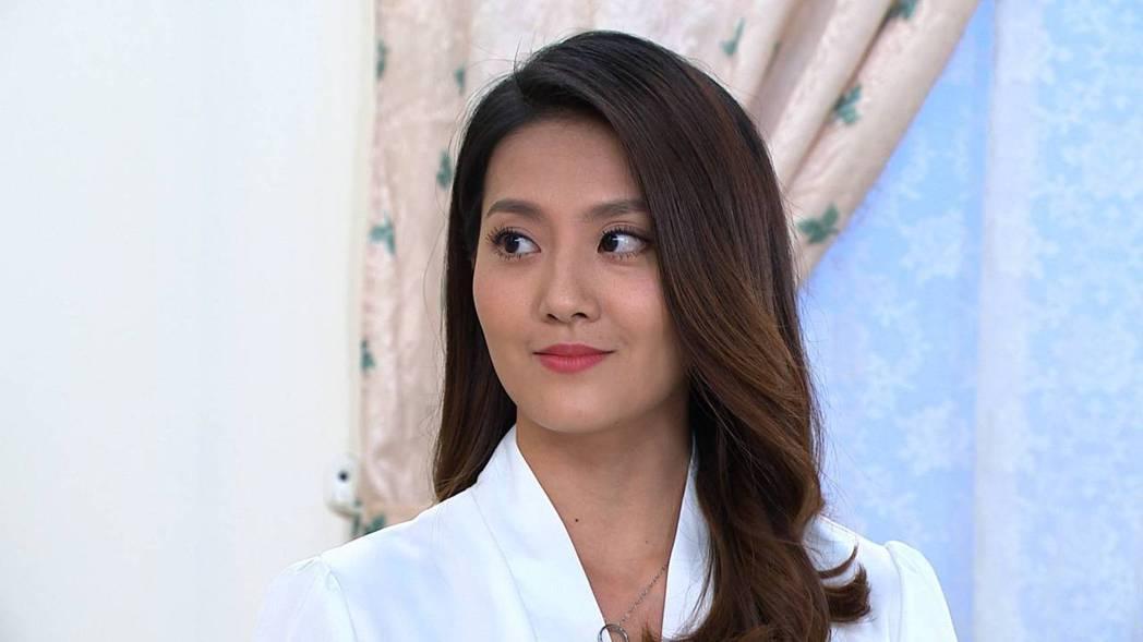 顏曉筠在「多情城市」中飾演假公主,戲裡使壞心機被罵翻。圖/民視提供
