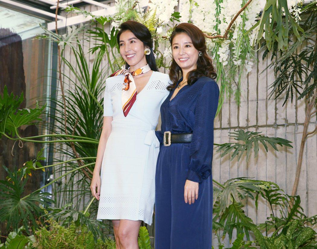 林心如(右)與楊謹華特別以劇中日式酒店「媽媽桑」造型現身。記者曾原信/攝影