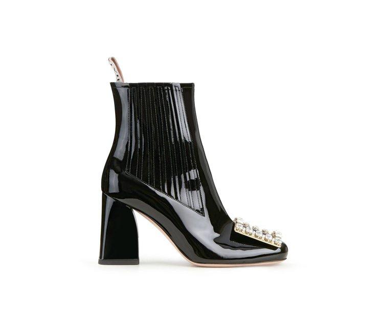 Très Vivier Chelsea Boo tie漆皮鑽扣跟靴,72,600...