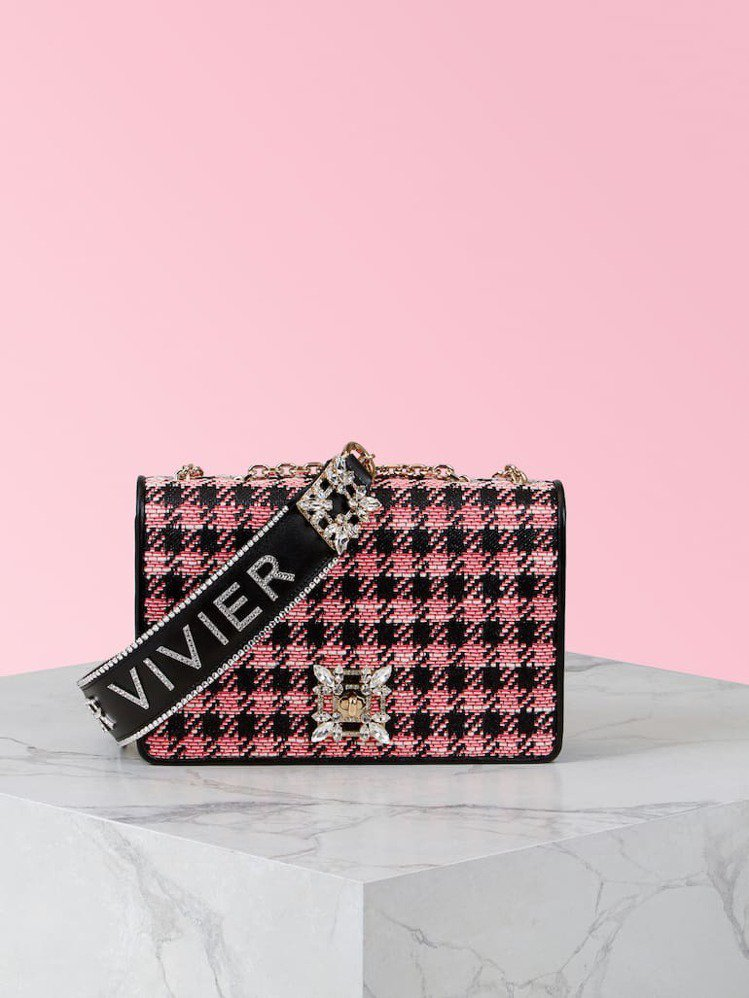 Miss Vivier毛呢鑽扣肩背包,12萬7600元。圖/迪生提供