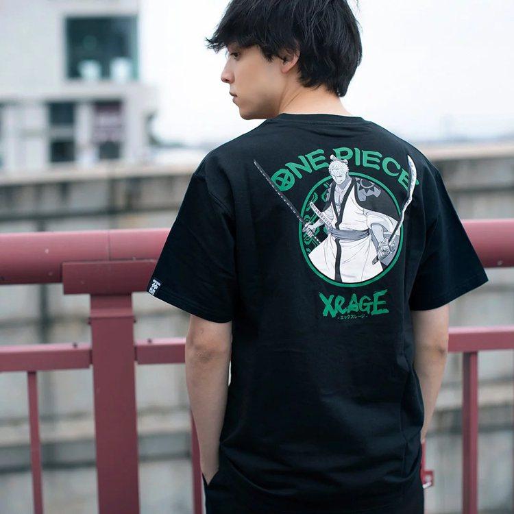XRAGE航海王聯名系列索隆T恤880元。圖/摘自XRAGE官網