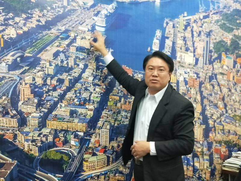 基隆市長林右昌表示,基隆捷運確定升級,未來的基隆捷運將「一接三」打通雙北任督二脈。聯合報記者游明煌/攝影