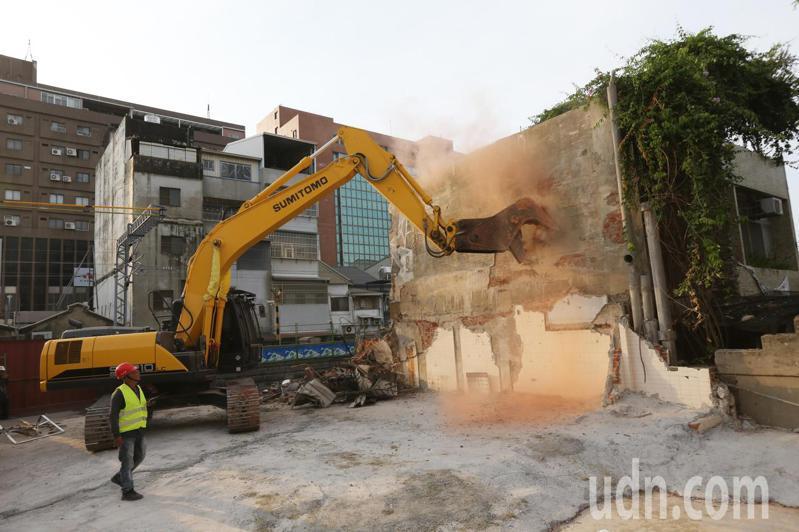 台南鐵路地下化用地取得爭議落幕,台南市長感謝拆遷戶的犧牲。記者劉學聖/攝影