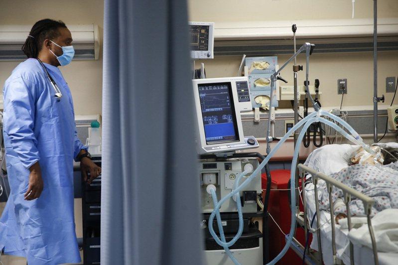 圖為今年4月紐約一間治療新冠患者的病房,非新聞當事者。美聯社