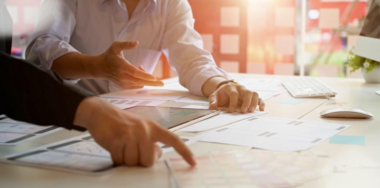 要算合理股價,先要有兩個數字,一個是公司的「每股盈餘」(EPS),一個是公司所處...