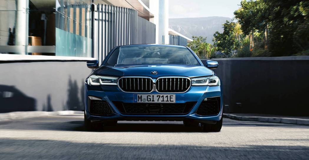 BMW 5系列小改款將於10月26日啟動媒體公辦試駕。 圖/摘自BMW汎德官網