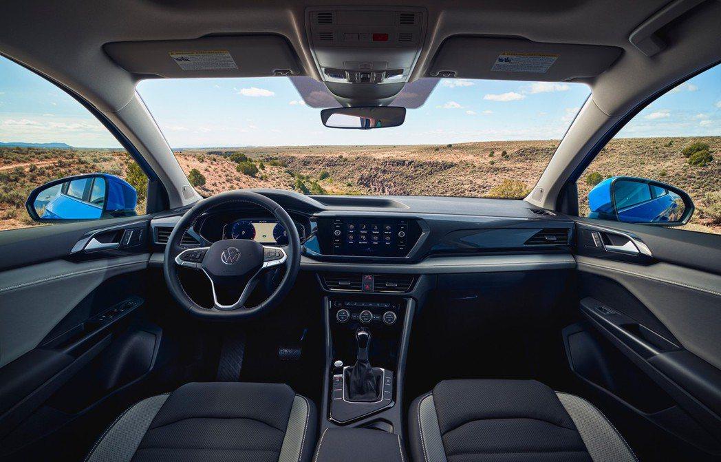 全新Volkswagen Taos內裝。 摘自Volkswagen