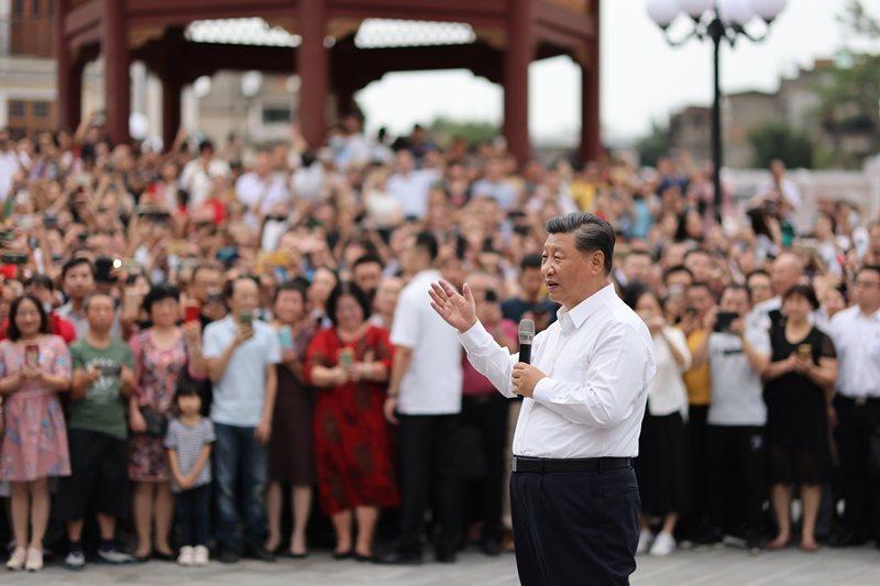 中國媒體都以「南巡」之詞來形容習近平此行,彷彿想藉由鄧小平「南巡」的改革開放意涵沾光。 圖/新華社