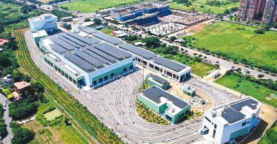 新北市第1座輕軌光電機廠-淡海輕軌,案場容量1,849.68kWp。 大同公司/...