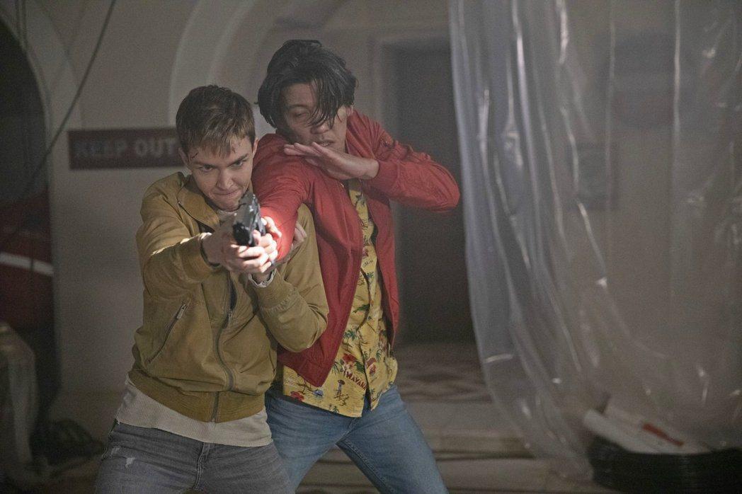 「奪命守門人」10月16日上映。圖/双喜發行提供