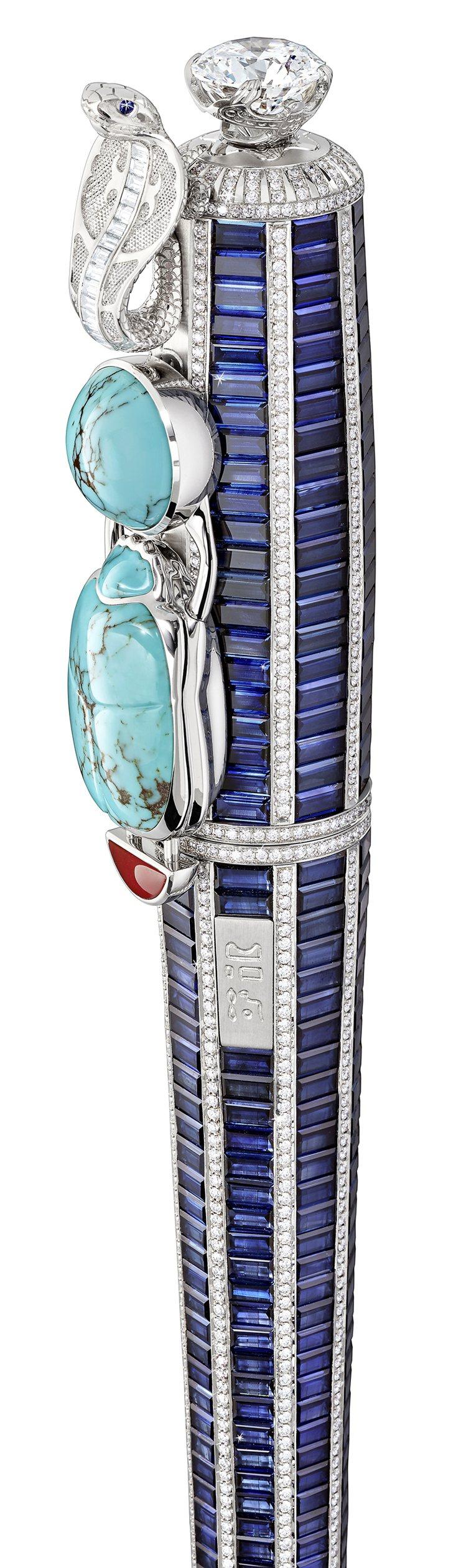 充滿中東風情的眼鏡蛇、土耳其石,加上貴重寶石,成為這款「寶藏」書寫工具的華麗元素...