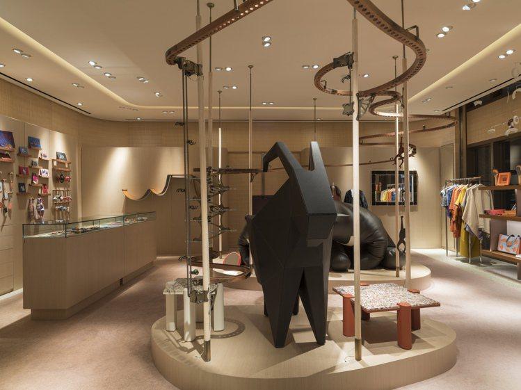 睽違六年再度抵台的愛馬仕petit h展覽即將在台北信義區BELLAVITA旗艦...
