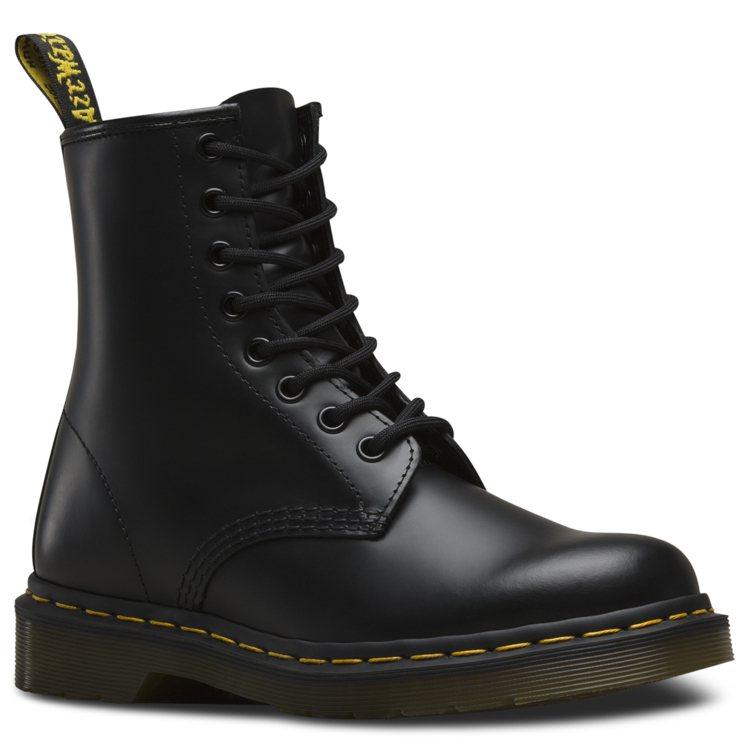 Dr. Martens 1460八孔靴6,480元。圖/Dr. Martens提...